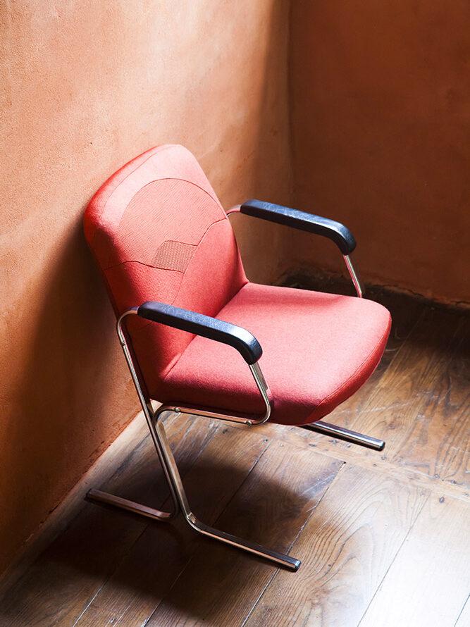 Fauteuil Sunset par Sonia Laudet, artiste textile mobilier à Bayonne, France